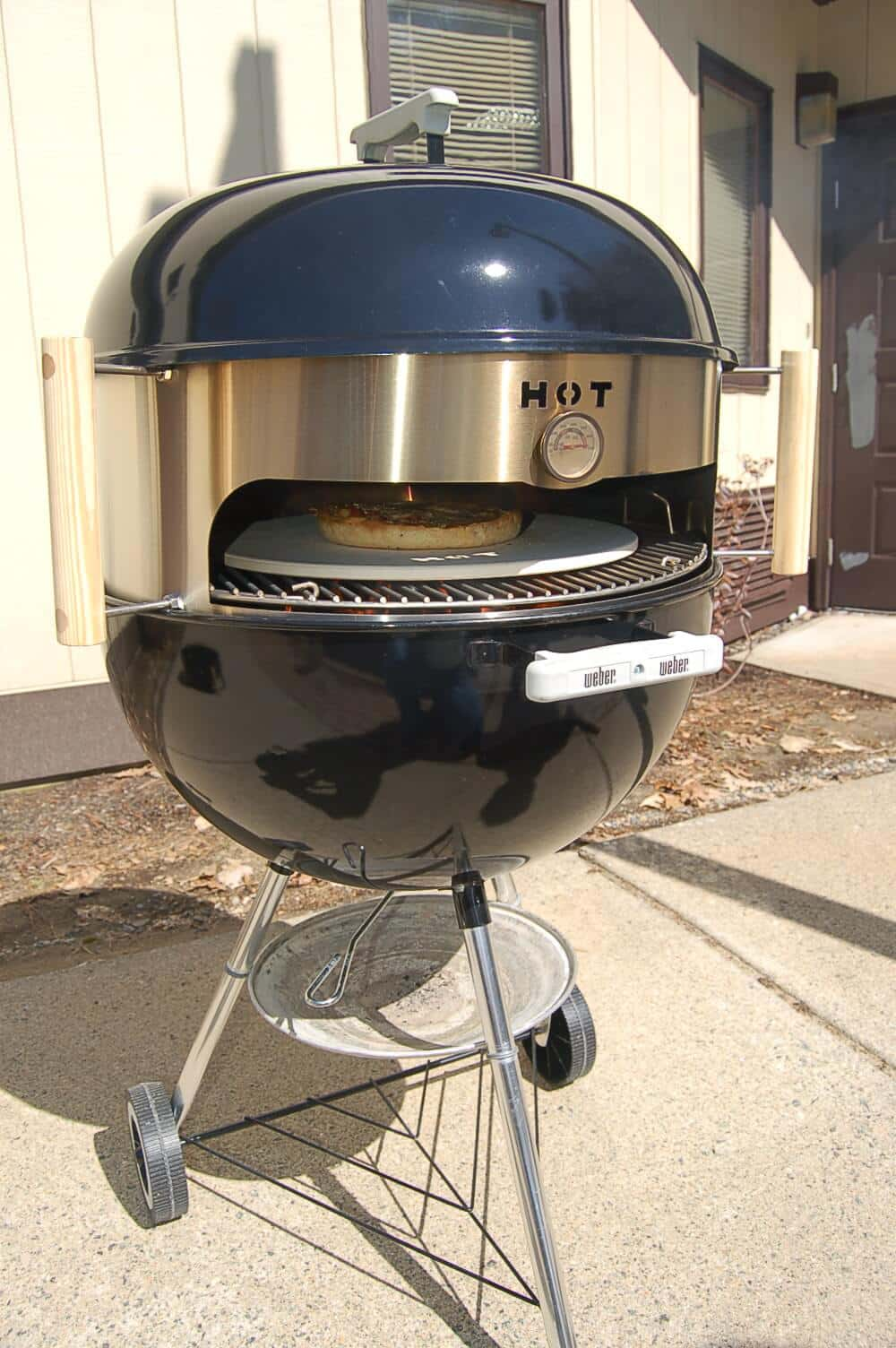 Kettle Pizza Oven in Stainless Steel