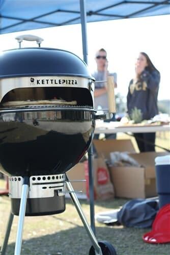 KettlePizza Deluxe Outdoor Pizza Oven Kit - KPD-22